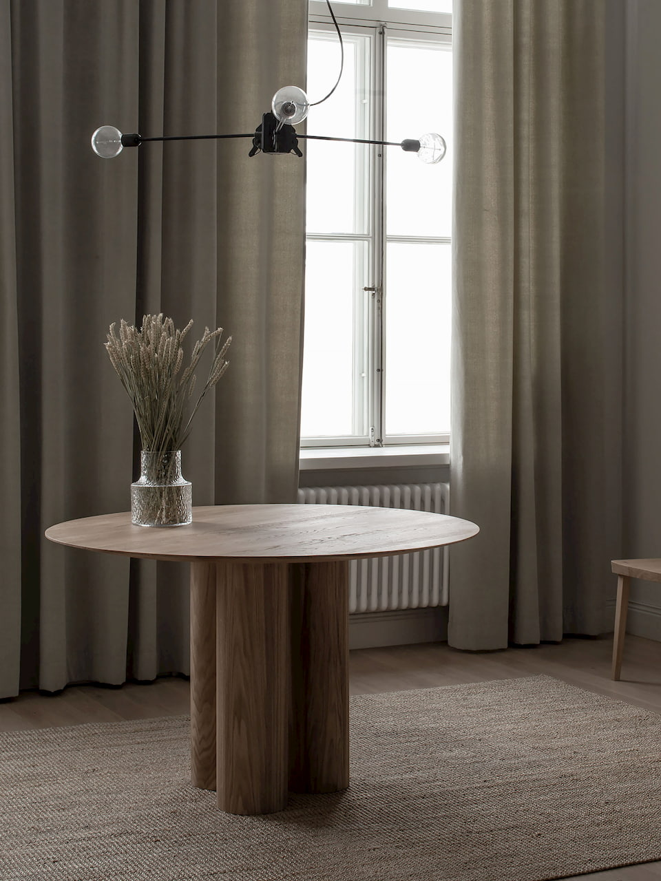 Round Wooden Dining Tables Our Top 8 Picks Aetava